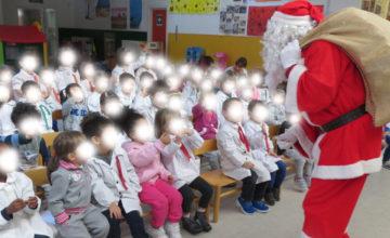 Babbo Natale e Don Gigi a scuola